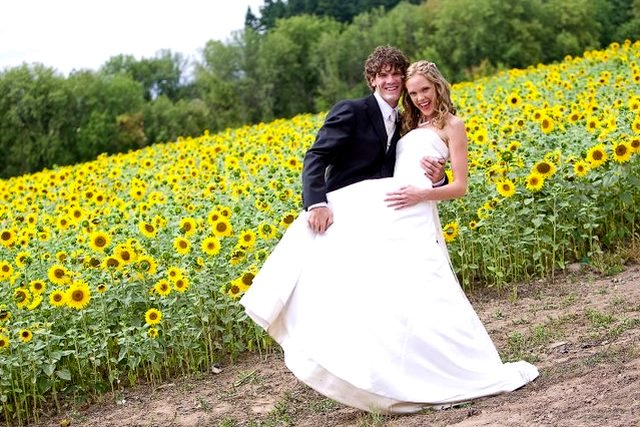 Sunflower WEdding bride groom